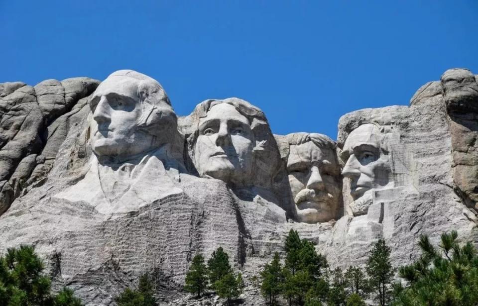 黄石公园-总统巨石-羚羊彩穴-拉斯维加斯经典8日