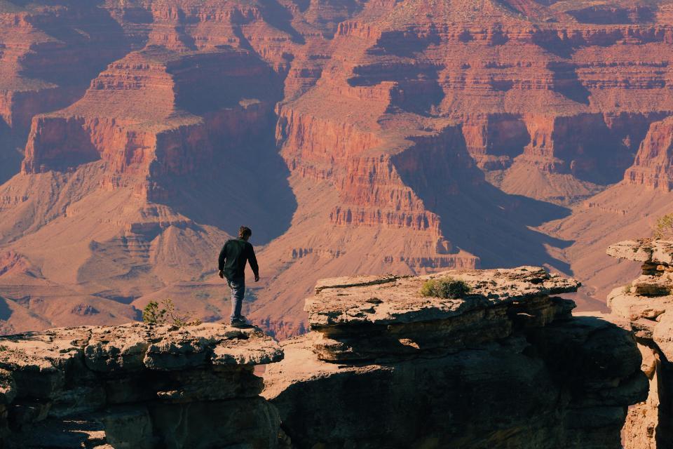 拉斯维加斯-羚羊彩穴-西峡谷-玻璃桥 4日游